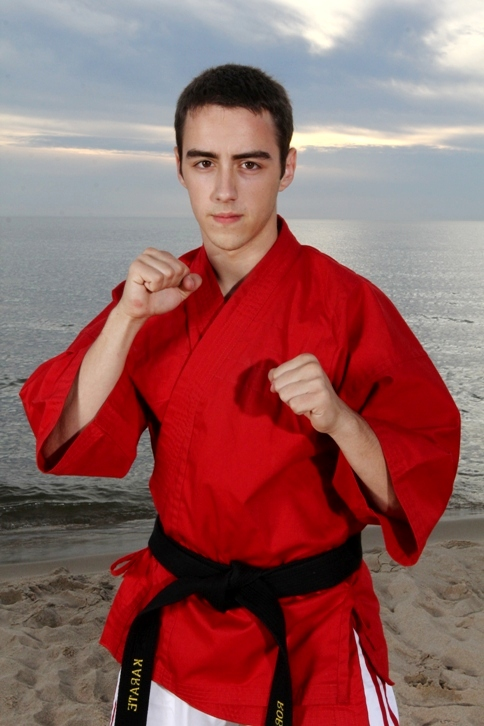 KICKPICS - home of the hottest martial arts kicking photos